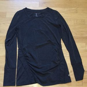 GAP fit maternity breathe extra small top